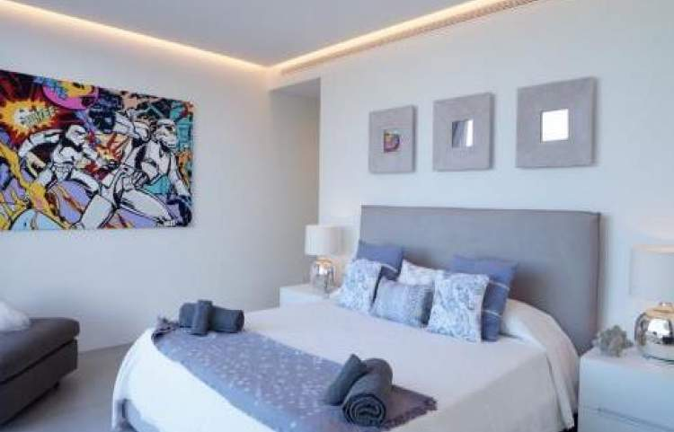 WEEKLY RENTAL 5 BEDROOMS SAN JOSEP