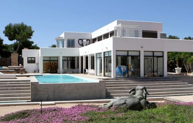 VILLA PALM 6 BEDROOMS WEEKLY RENTAL