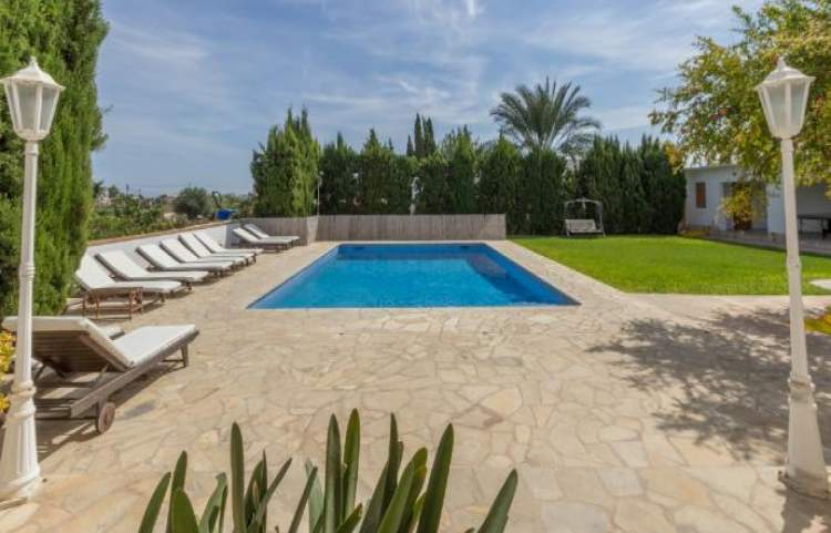 R1156 5 BEDROOMS VILLA IN SAN JORDI